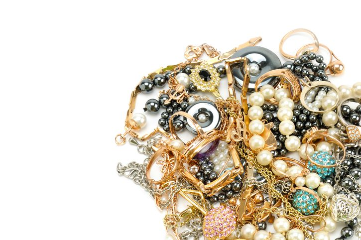 Why Does Jewelry Sometimes Make Your Skin Turn Colors?